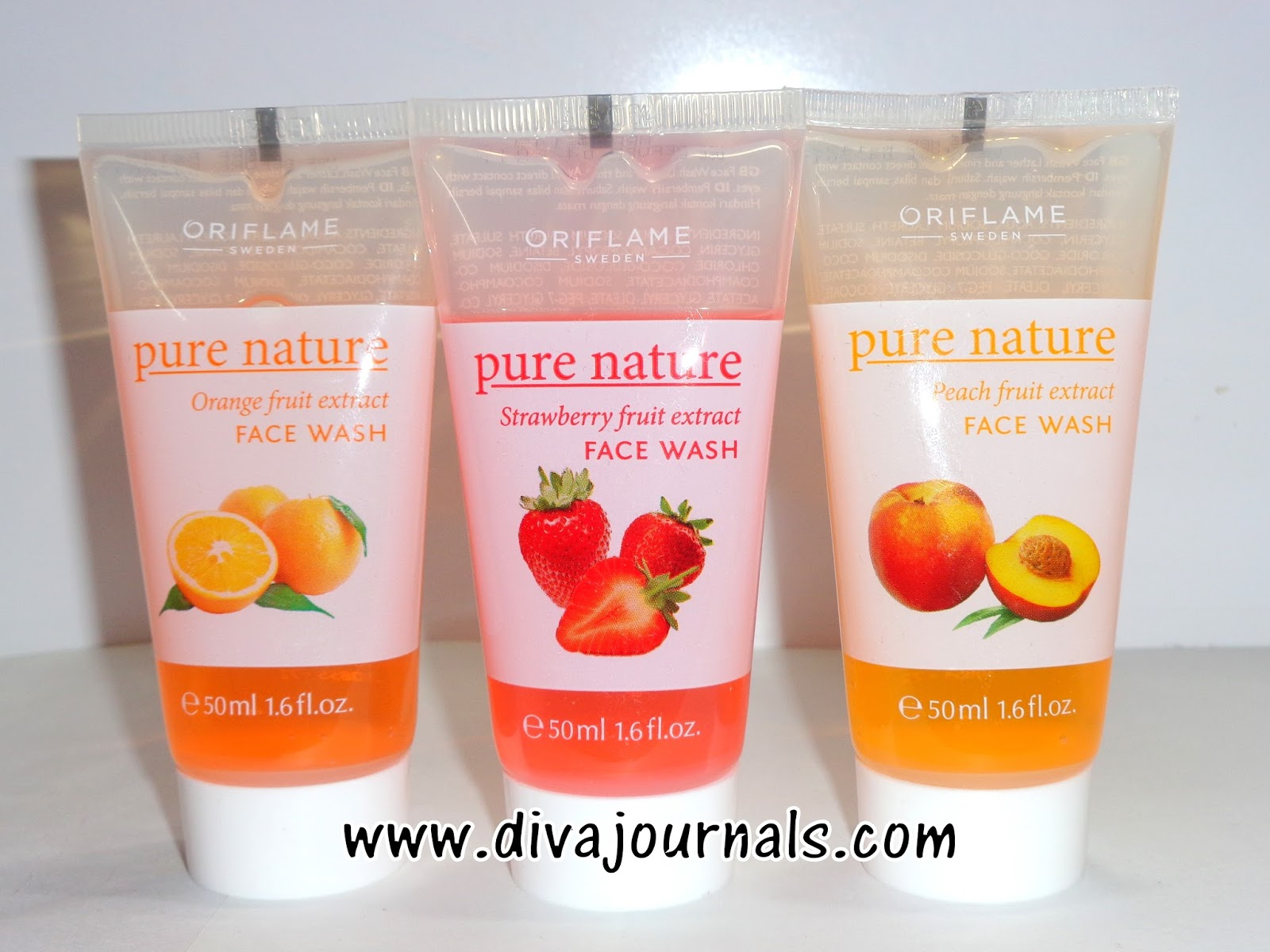 Oriflame Pure Nature Peach-Strawberry-Orange Fruit Extract Face wash Review