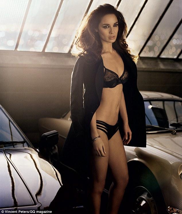 Berenice Marlohe Chica Bond