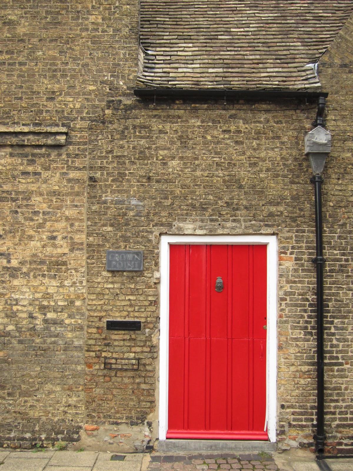 Dolcetti dal mondo foto ely - La porta rossa film completo ...