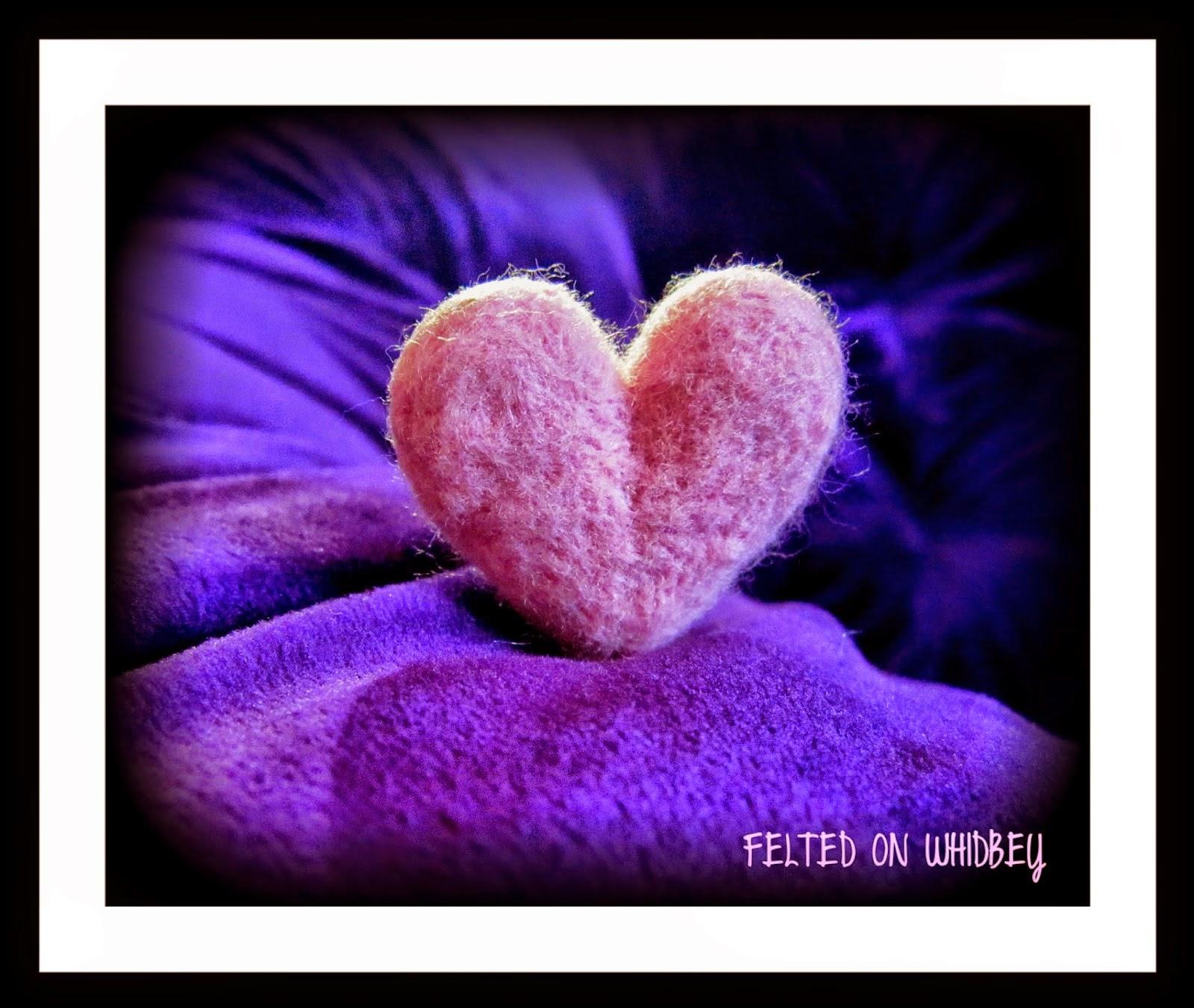 http://feltedonwhidbey.blogspot.com/2014/08/needle-felted-heart.html