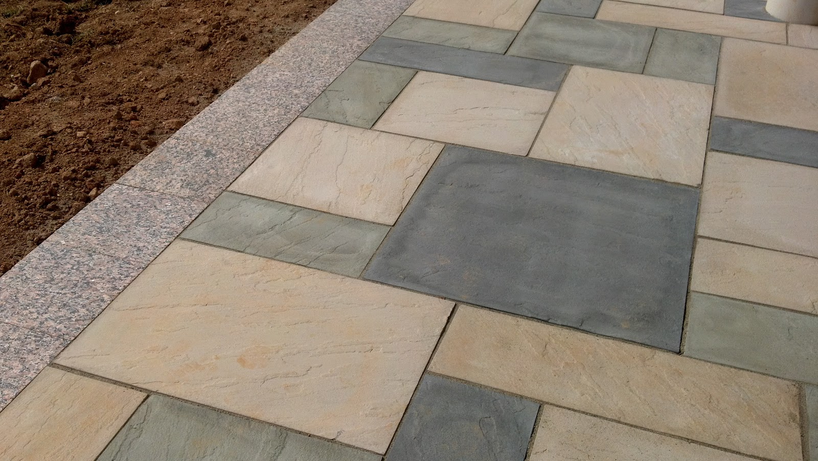 Life time pavers product techo bloc aberdeen paver for Techo bloc