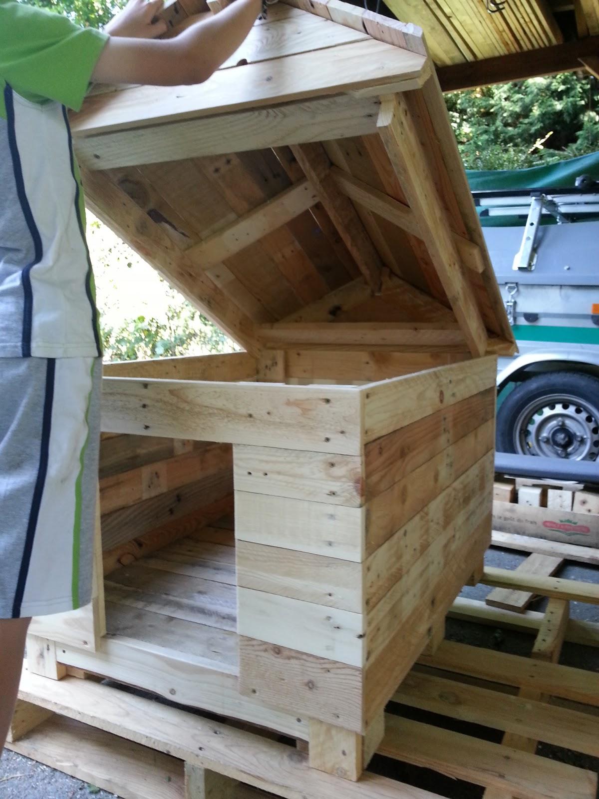 ludo la bricole niche en bois de palettes. Black Bedroom Furniture Sets. Home Design Ideas