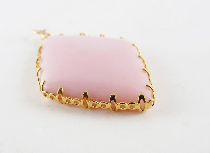 - Inner Bezel - ピンクオパール ネックレス