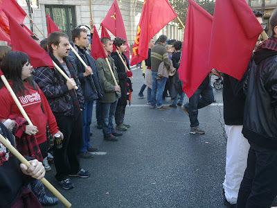 [Madrid] Fotos del bloque comunista (CJC, UP, PCPE, UJC-M) en la manifestación del 19F 19022012130