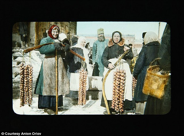 vintage everyday: The Russian Revolution in Color Photos, 1917