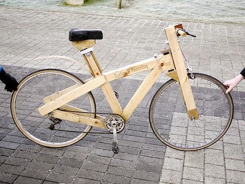 Una Bicicleta Hecha Con Palets De