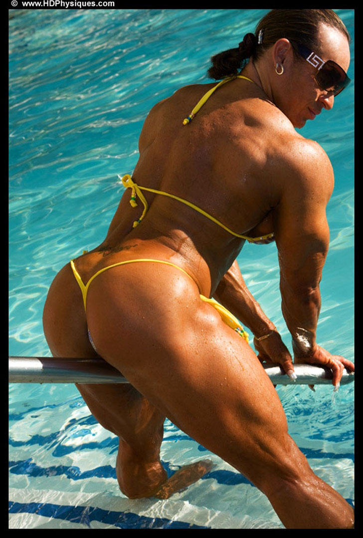Betty Viana - Adkins Posing Her Amazing Glutes