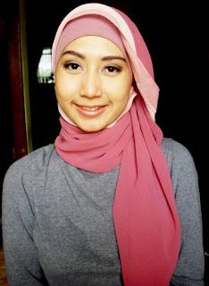 model hijab Igo Cantik segi empat