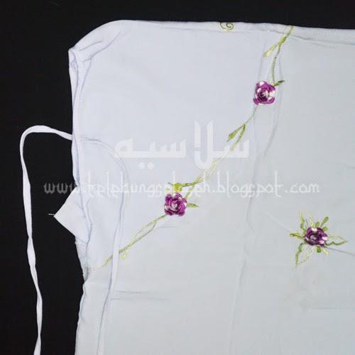 Telekung Vietnam bunga ungu-putih / daun hijau-kuning bahagian muka