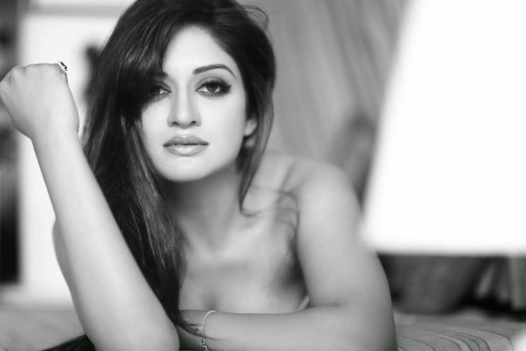 Vimala Raman Sexy Images & Photo Gallery