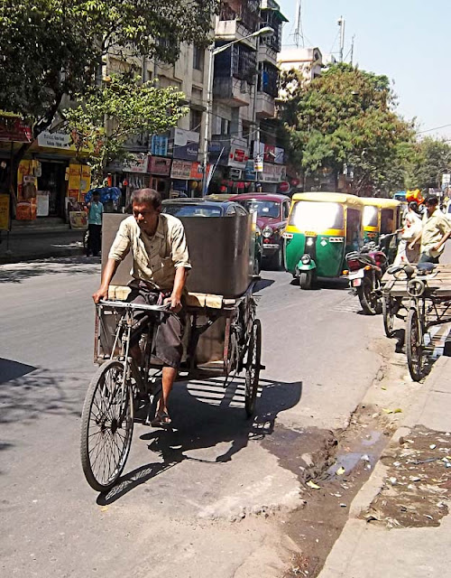 metal sheet load on cycle cart