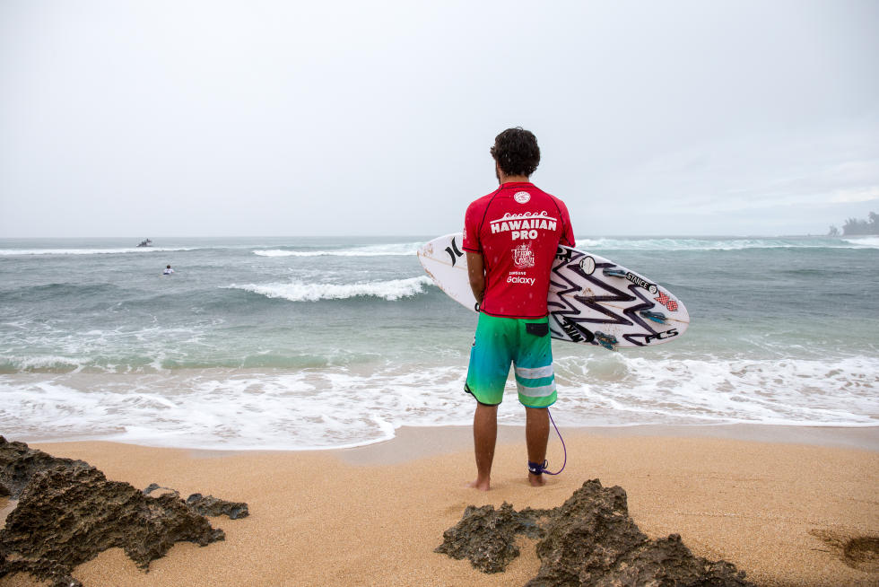 12 Filipe Toledo Hawaiian Pro Triple Corona Fotos WSL tony heff