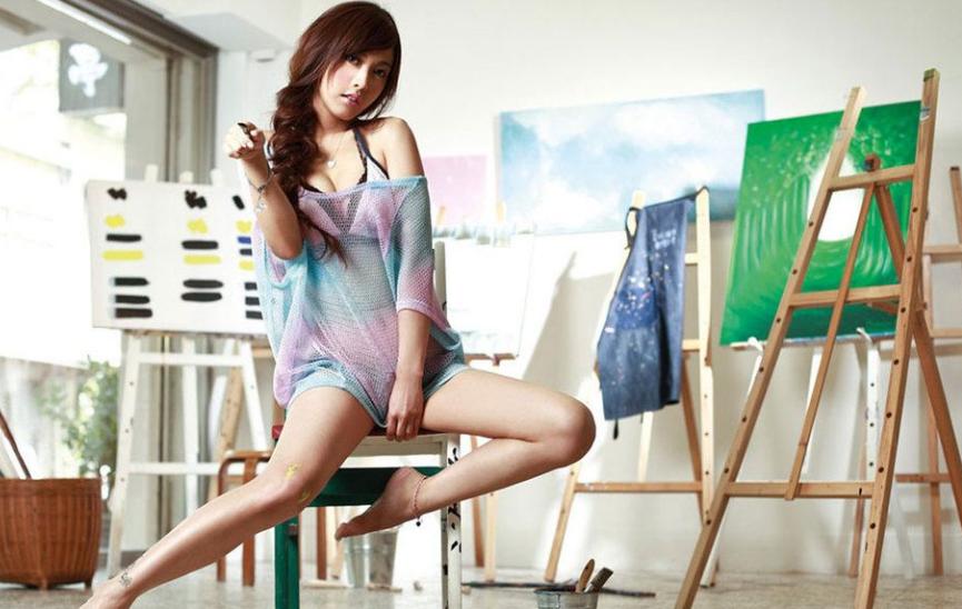 2011 Amber, Xinya elected Taiwan sex goddess