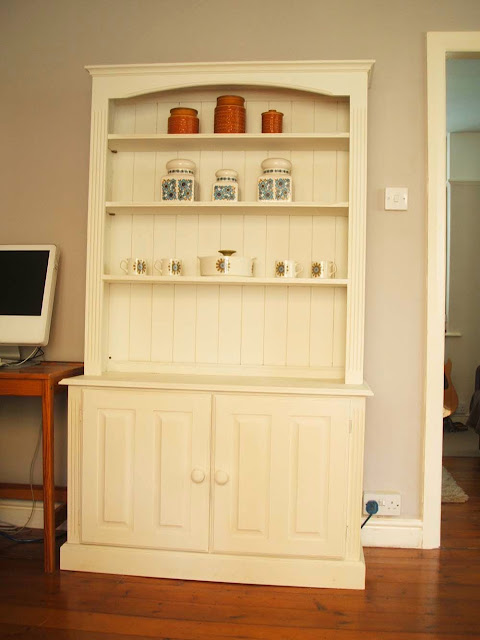 upcycling a dresser with chalk paint and my collection of vintage ceramics
