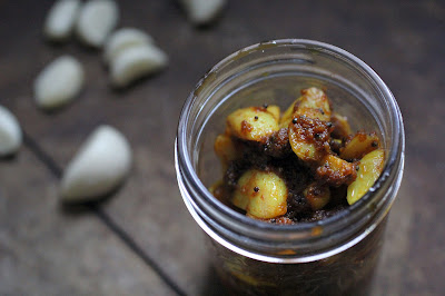 Instant Garlic Pickle Achaar