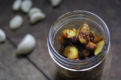 Instant Garlic Pickle Achaar