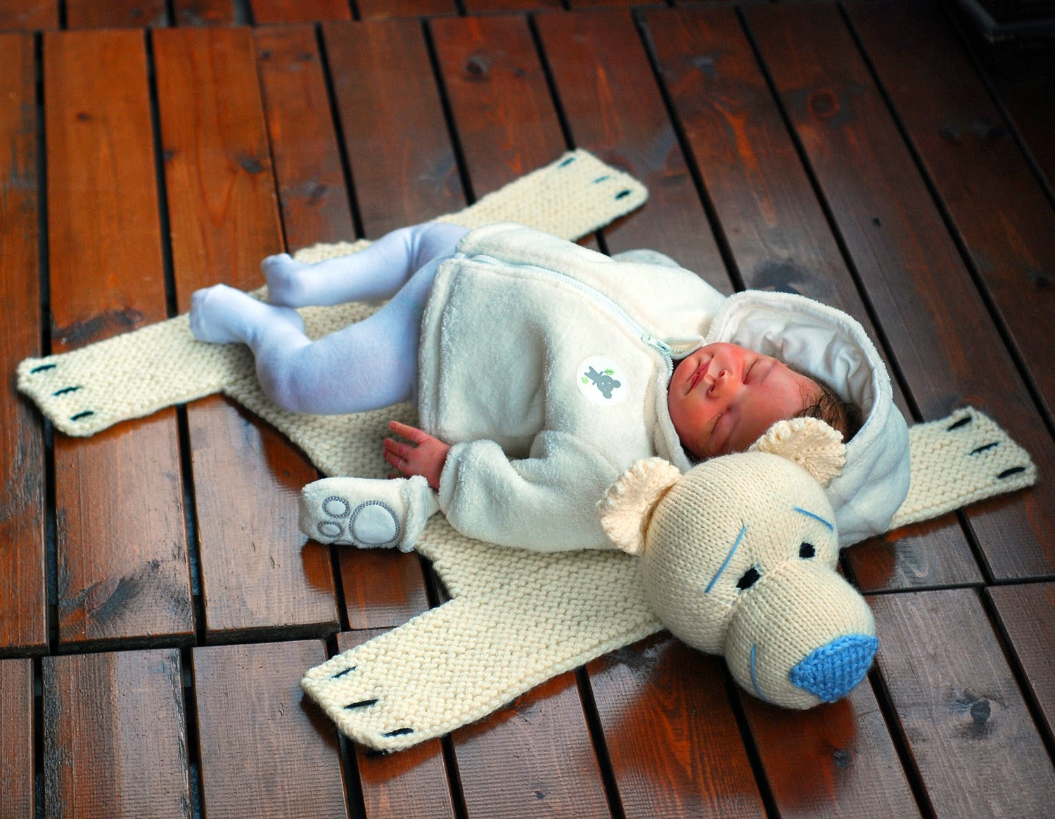 Polar Bear Rug Knitting Pattern : Denizas toys joys baby blanket polar bear rug mat