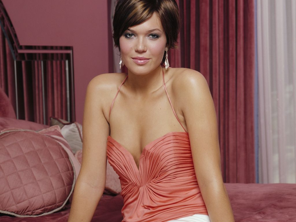 Share To Twitter Share To Facebook Labels Mandy Moore Hollywood