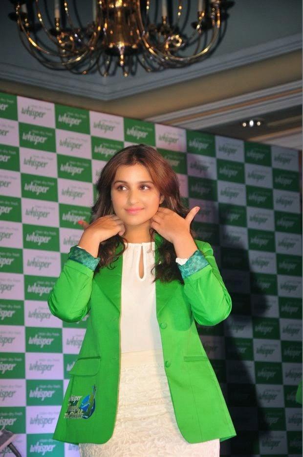 parineeti chopra bold thighs hd wallpaper