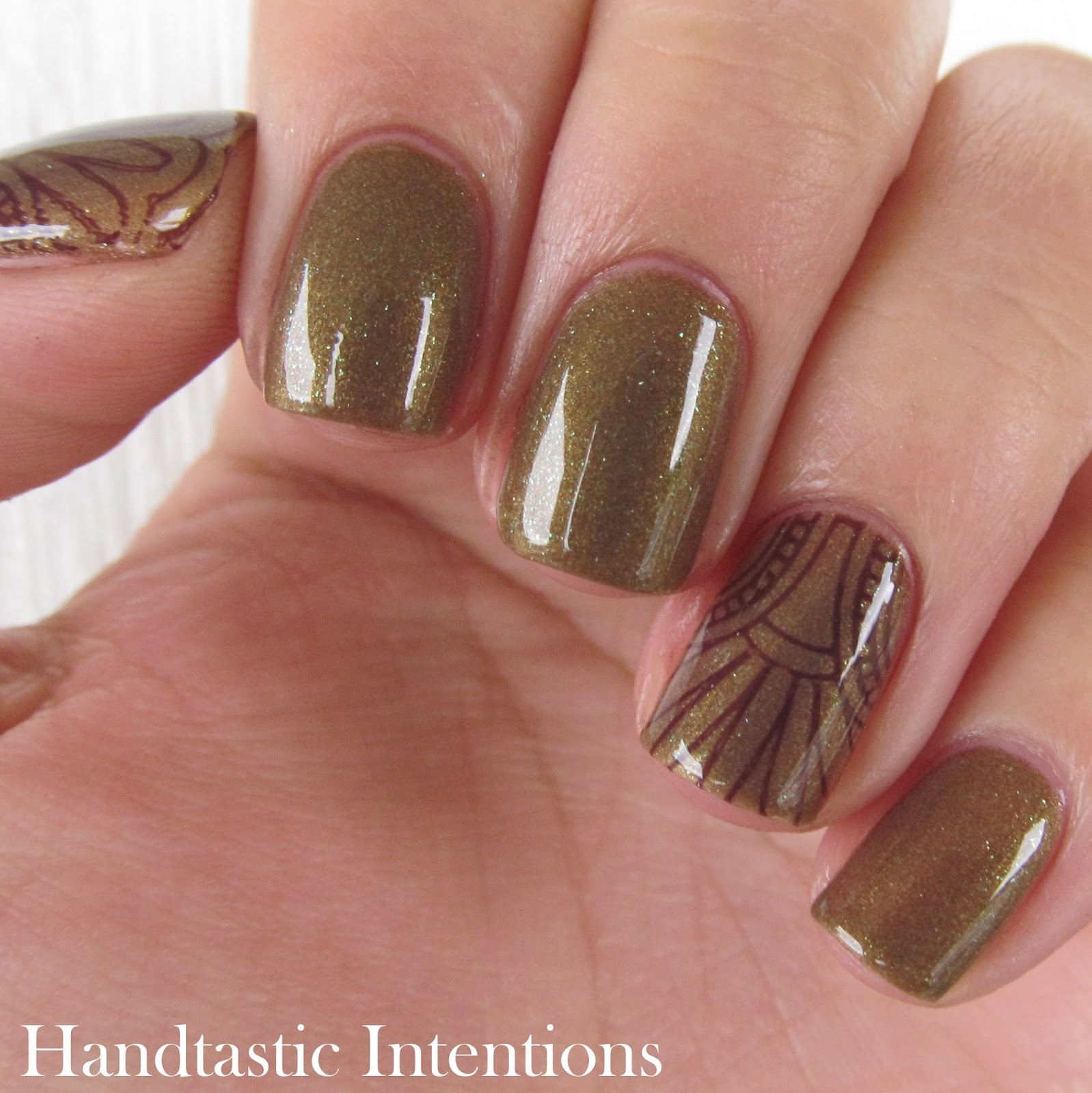 China-Glaze-Mind-the-Gap-Review