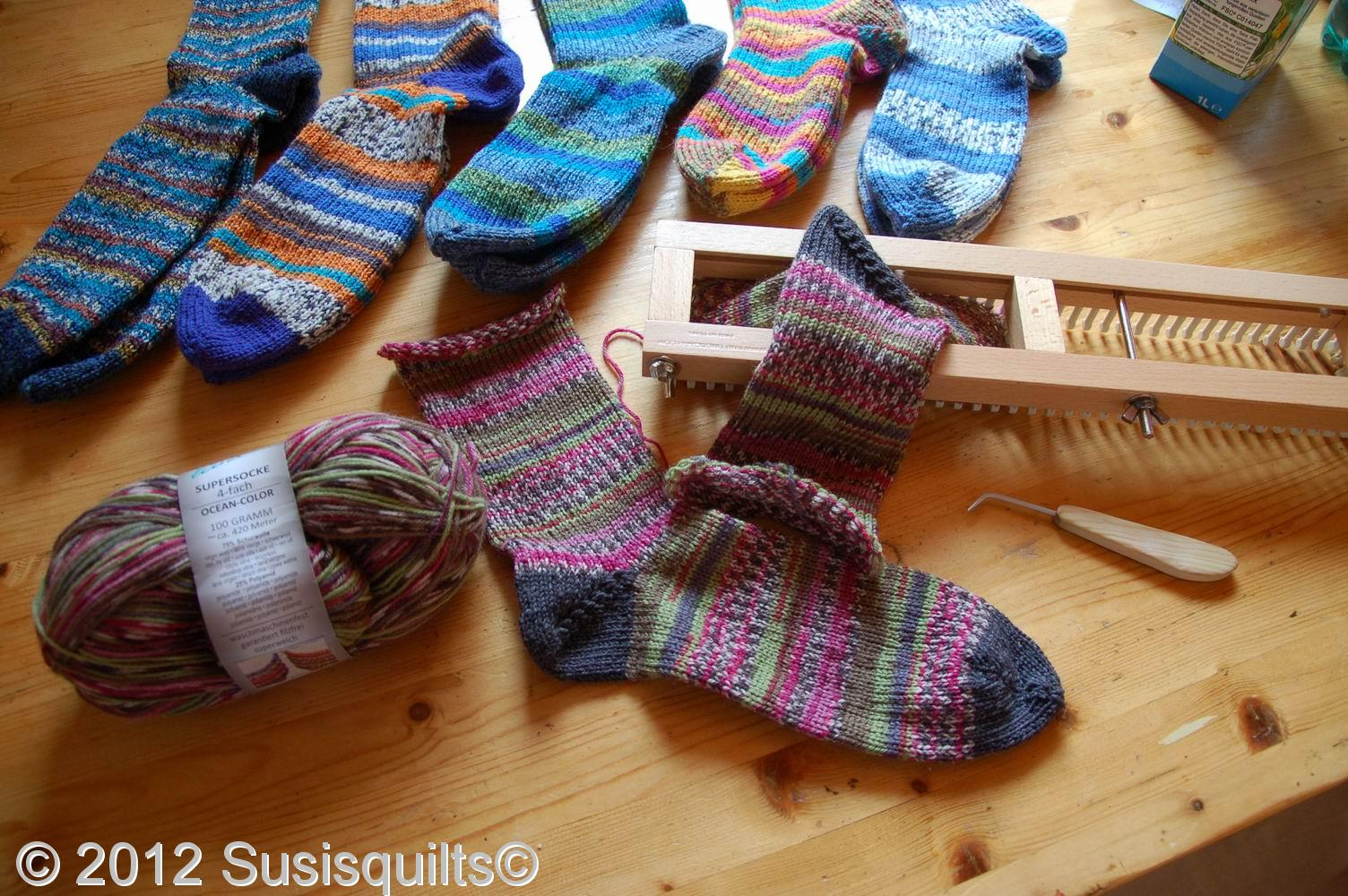 susis quilts: knitting loom