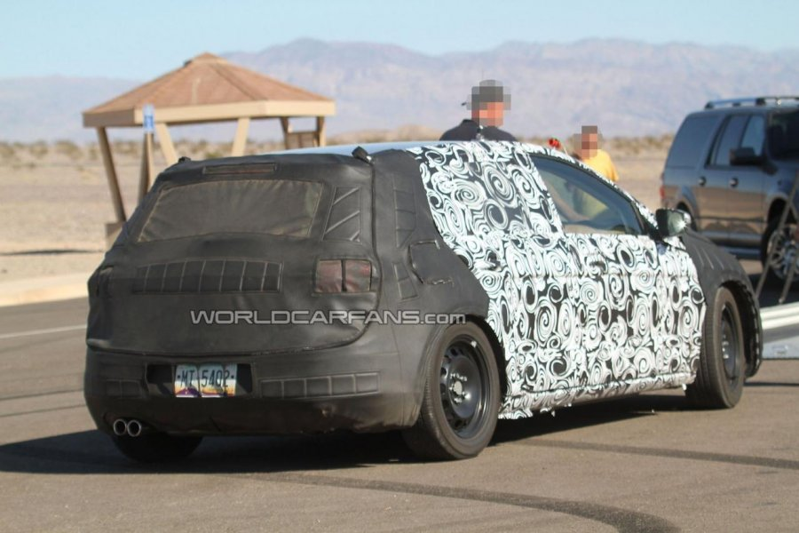 Volkswagen golf vii will visit the auto show in paris 2012 for Garage volkswagen paris 15