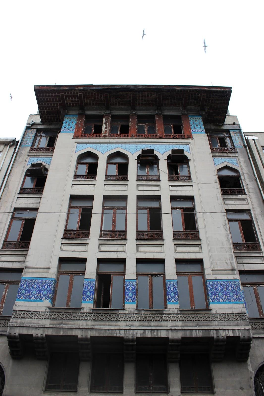 Karaköy Bina mozaikli