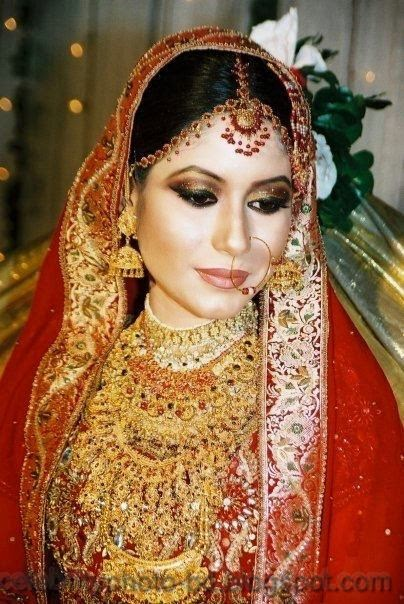 Beautiful+BANGLADESHI+BRIDE+WITH+GORGEOUS+MAKE UP+Photos+Collection017