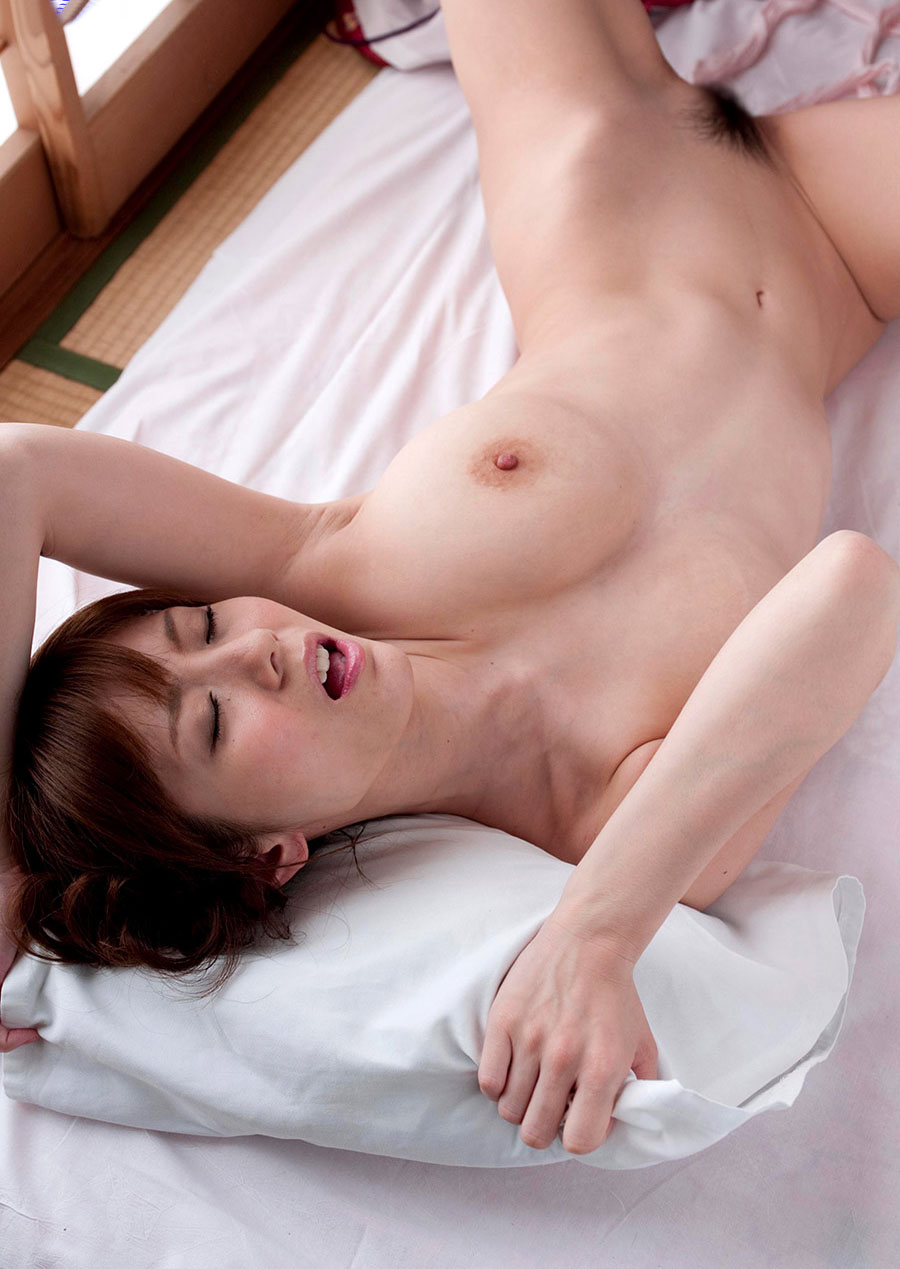 yuma asami sexy nude photos 04