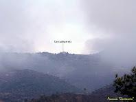 """La masia de Campdeparets vista des de la Baga de La Riba. Autor: Francesc """"Caminaire"""""""
