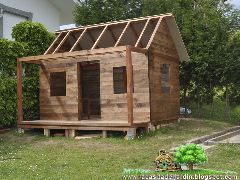 D a 10 puntones y tejado la casita del jard n for Tejado de madera en ingles