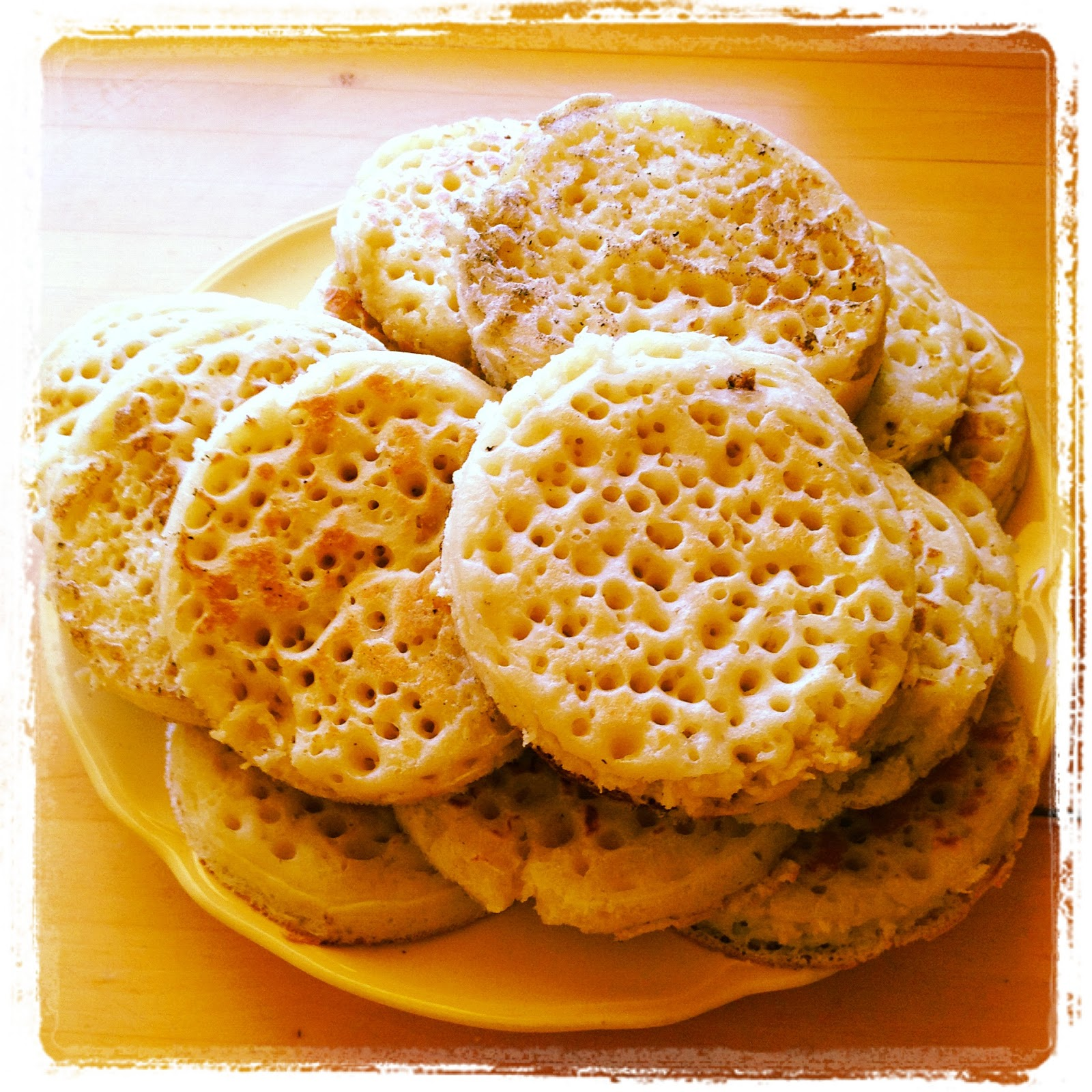 the writing hive: The Best Crumpets Ever (Really)