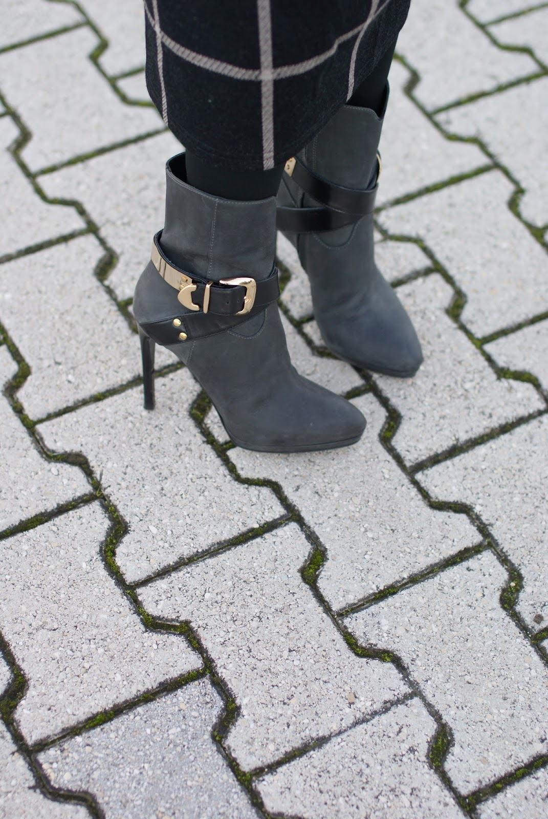 Icone stivaletti, Icone ankle boots with buckle, Fashion and Cookies, fashion blogger