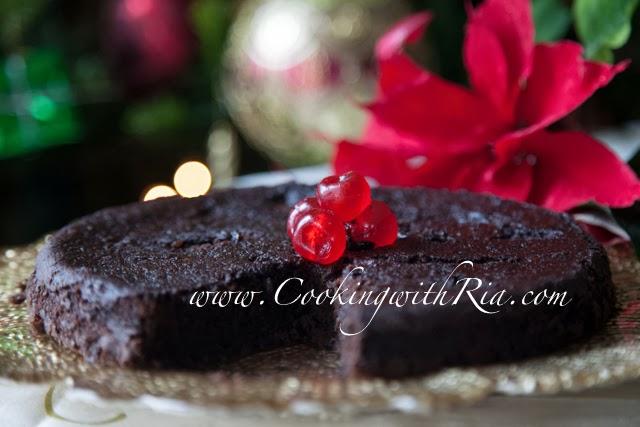 Trinidad Black Cake / Caribbean-Rum-Fruit-Cake
