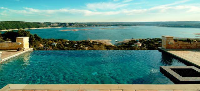 Patio con piscina patios y jardines for Patios con piscina