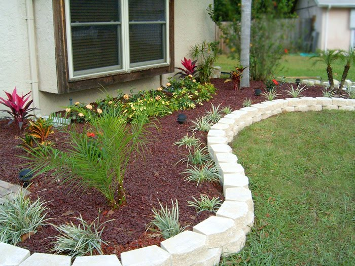 Edging design ideas flower bed edging ideas for Mulch border ideas