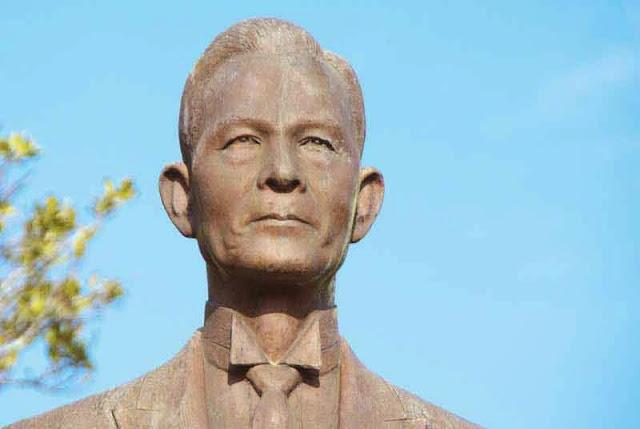 Seiho Matsuoka, statue, close-up
