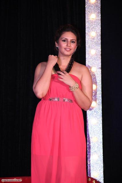 Huma+Qureshi-Kalki+Koechline-Emraan+Hashmi+Promoting+Ek+Thi+Dayaan+2013+ar+R+City+Mall+%25286%2529