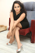 Ishika singh latest photos-thumbnail-10