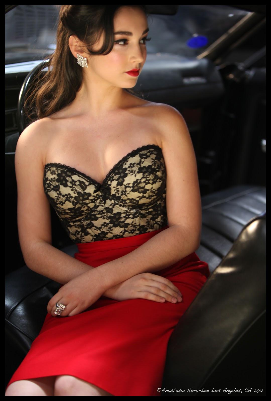 Molly Ephraim Looking so beauty photos ~ world actress