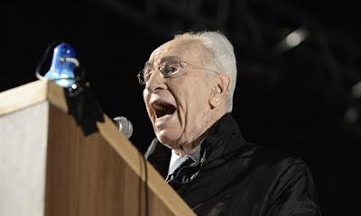Shimon Peres recebe alta