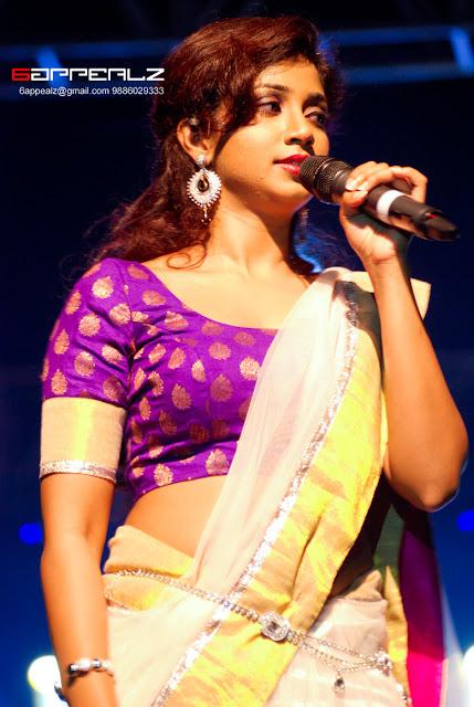 shreya ghoshal hot navel in saree