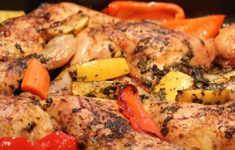 """أفضل طريقة لعمل الدجاج المتبل بالخضراوات """" هنا """""""