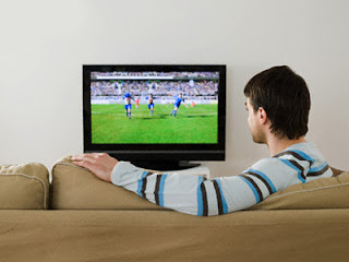 5 Bahaya Sering Menonoton TV Bagi Kesehatan