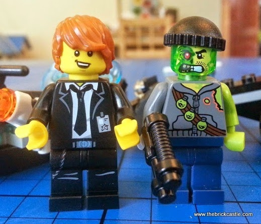 LEGO Ultra Agents Riverside Raid 70160 Review Agent Max Burns and Adam Acidminifigures