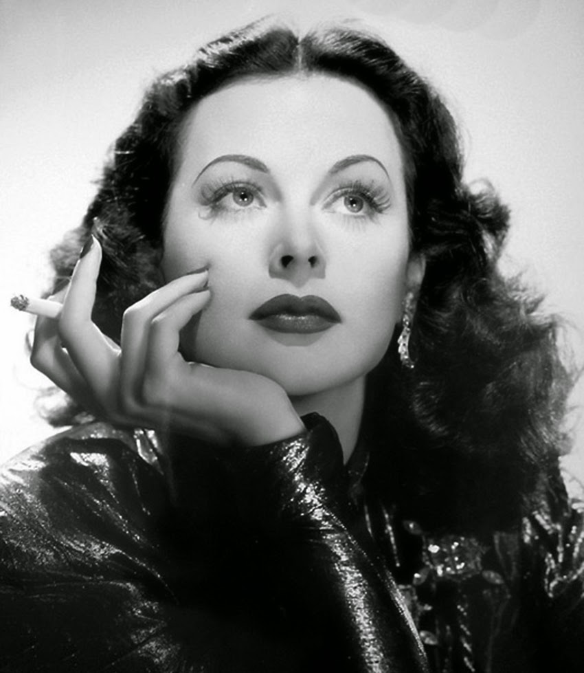 Radio Waves Microwaves further Directivity as well Quality Of Service In Wireless  munication as well Hedy Lamarr Inventor Of Wi Fi And likewise Inventor Of Wifi Technology. on spread spectrum radio