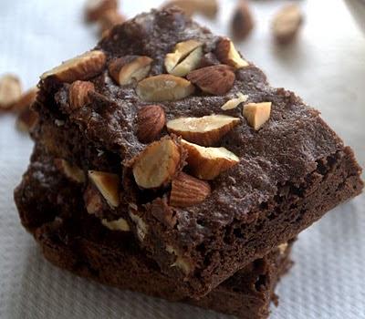 http://3.bp.blogspot.com/-4Ww2S9KXktQ/TZsv4BOZaBI/AAAAAAAAKG4/ksqgCQKFJLc/s400/Brownie_2.jpg