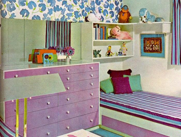 interior rumah minimalis bernuansa ungu
