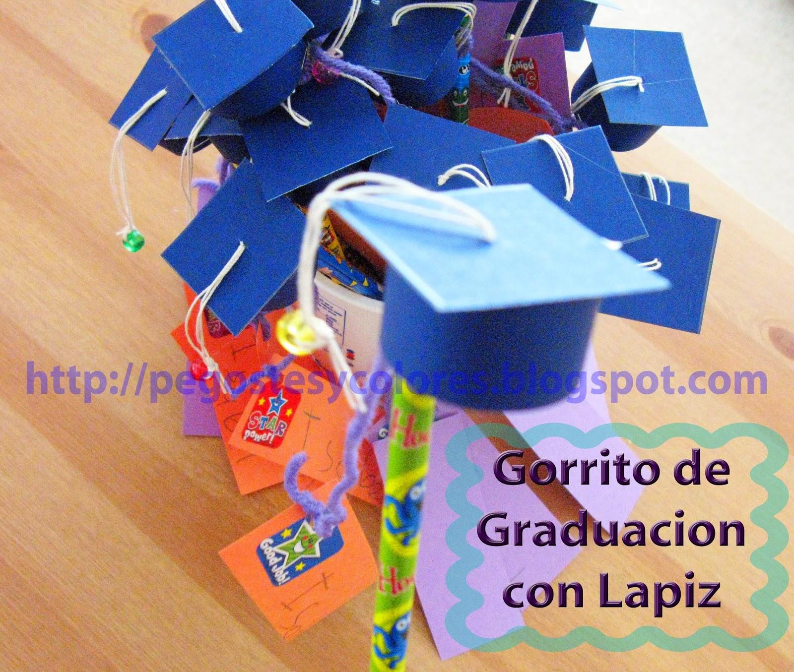 Pegostes y Colores: Mini Birrete de Graduacion con Lapiz