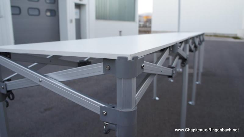 Les tables pliantes aluminium simple et rapide - Table alu pour marche ...